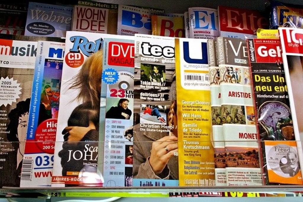 Журналы на маркетплейсах: как Wildberries и Ozon осваивают продажи периодических изданий и какие покупатели остались верны киоскам