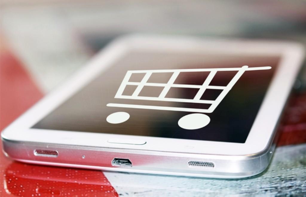 """""""Перекресток"""" сообщает о взрывном росте заказов на доставку продуктов. Что же пользуется таким ажиотажным спросом?"""